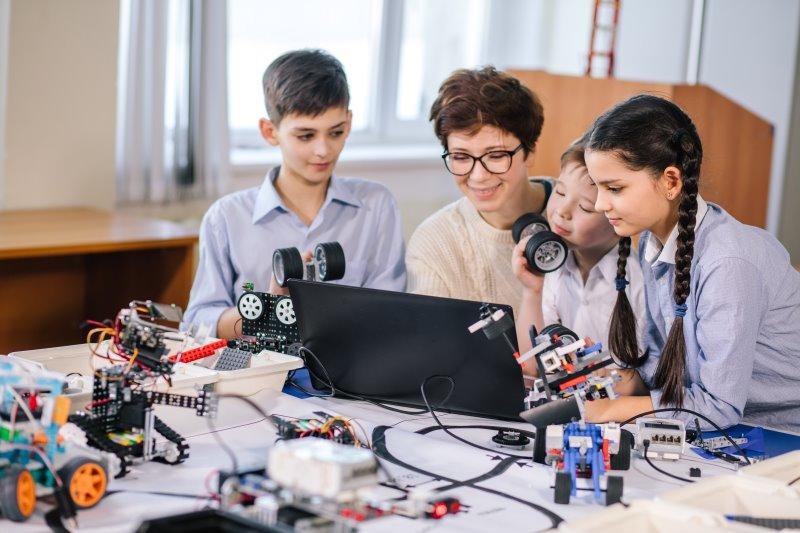Building the 21st Century Classroom
